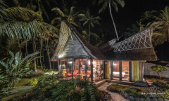 Image 2 from 2 Bedroom Beachfront Villa For Sale Leasehold in Tanah Lot Area