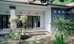 Image 3 from 2 Bedroom House For Yearly Rental in Umalas