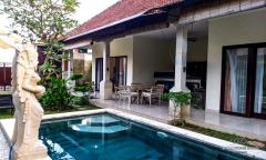Image 1 from Villa de 2 chambres à vendre à bail à Sanur