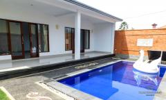 Image 2 from Villa de 2 chambres à coucher à louer à l'année à Berawa