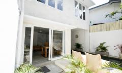 Image 2 from Villa de 2 chambres à louer à l'année près de la plage de Double Six