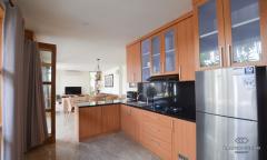 Image 2 from 3 bedroom villa for monthly rental in Kerobokan