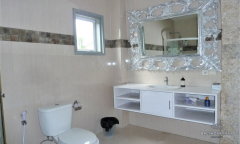 Image 3 from 3 Bedroom Flat For Monthly Rental Near Berawa Beach