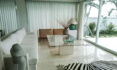 Image 3 from Villa 3 chambres à louer et à vendre en pleine propriété à Ungasan