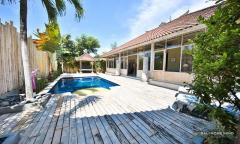 Image 2 from 3 Bedroom Villa For Rent in Seminyak