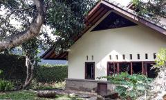 Image 2 from Villa de 3 chambres à vendre en pleine propriété à Canggu - Echo Beach