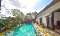 Image 3 from Villa 3 Kamar Dijual SHM di Canggu