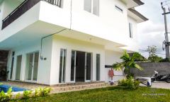 Image 2 from 3 Bedroom Villa For Sale Freehold in Umalas