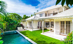 Image 1 from Villa de 3 chambres à coucher à vendre en location à Batu Belig