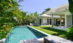 Image 2 from Villa de 3 chambres à coucher à vendre en location à Batu Belig