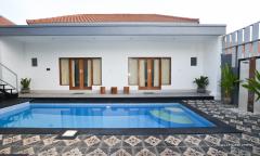 Image 2 from Villa de 3 chambres à louer à l'année à Berawa