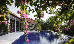 Image 1 from 4 Bedroom Villa For Long Term Rental in Batu Bolong