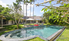 Image 2 from 4 Bedroom Villa For Monthly Rental in Berawa