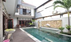 Image 1 from Villa 4 chambres à vendre en pleine propriété à Seminyak - Petitenget