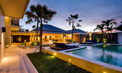 Image 2 from 4 Bedroom Villa for  Yearly Rental & Sale Leasehold in Berawa
