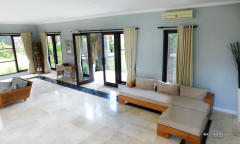 Image 3 from 4 Bedroom Villa For Yearly Rental Batu Bolong