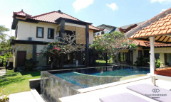 Image 1 from 4 Bedroom Villa For Yearly Rental Batu Bolong