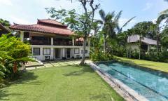 Image 2 from Villa de 4 chambres à louer à l'année à Pererenan