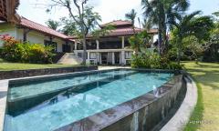 Image 1 from Villa de 4 chambres à louer à l'année à Pererenan