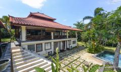 Image 3 from Villa de 4 chambres à louer à l'année à Pererenan