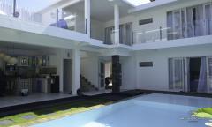 Image 1 from Maison de 4 chambres à Seminyak