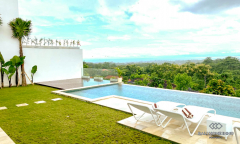 Image 2 from 5 Bedroom Ocean View Villa For Yearly Rental in Uluwatu