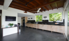 Image 2 from 5 bedroom riverside villa for Yearly rental & Sale Freehold in Tanah Lot area