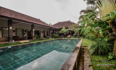 Image 1 from 5 Bedroom Villa For Sale Leasehold in Berawa