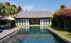 Image 3 from 5 Bedroom Villa For Sale Leasehold Near Berawa Beach