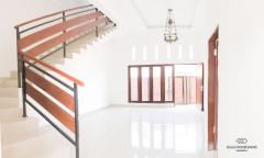 Image 1 from 5 Bedroom Villa For Yearly Rental in Kerobokan