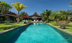 Image 1 from 5 Bedroom Villa with Spacious Garden For Monthly & Yearly Rental in Berawa