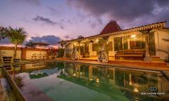 Image 1 from Villa classique de 6 chambres à coucher pour le mois et l'année à Canggu