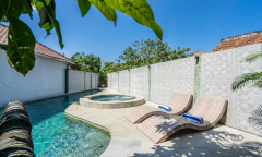 Image 3 from 6 Bedroom Villa For Sale Freehold in Nusa Dua