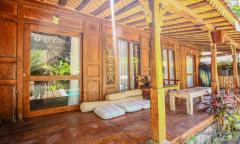 Image 3 from Villa de 6 chambres à louer à l'année à Pererenan