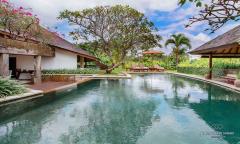 Image 2 from Villa de 6 chambres avec vue sur la rizière à vendre à Umalas