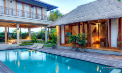Image 1 from 8 Bedroom Villa For Sale Leasehold Near Berawa Beach