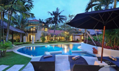 Image 2 from 9 Bedroom Villa For Sale Freehold in Petitenget