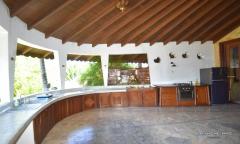 Image 3 from Villa de 9 chambres pour la location annuelle et la vente en pleine propriété à Berawa.