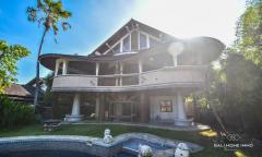 Image 1 from Villa de 9 chambres pour la location annuelle et la vente en pleine propriété à Berawa.