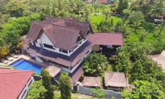 Image 1 from Hotel & Resort with Restaurant For Sale Freehold Near Balian Beach