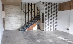 Image 1 from Bangunan Toko Disewakan Tahunan di Seminyak